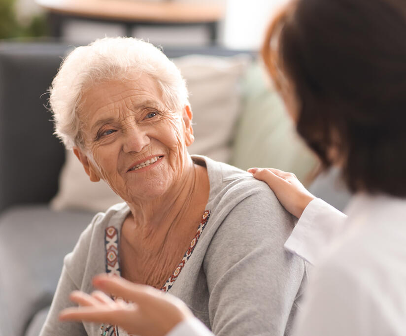 Elderly-lady-chatting-to-doctor